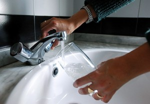 agua grifo sana para beber