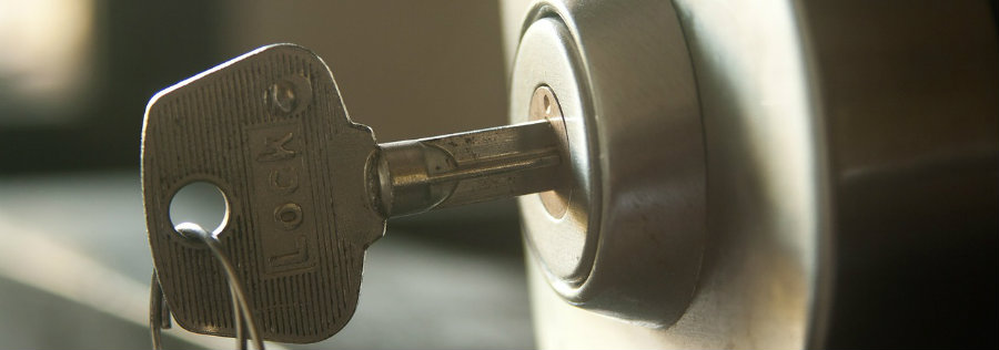 llave-dentro-e-cerradura
