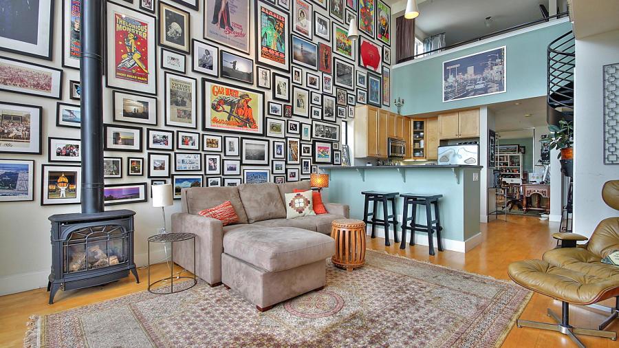 de los posters en la pared son los vintage enmarcados en el saln dan un toque retro a las paredes de tu casa y consiguen trasladarte en aquella poca